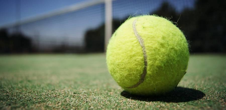 pelota de tennis