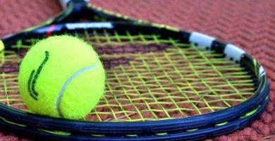 porque las bolas de tenis son amarillas